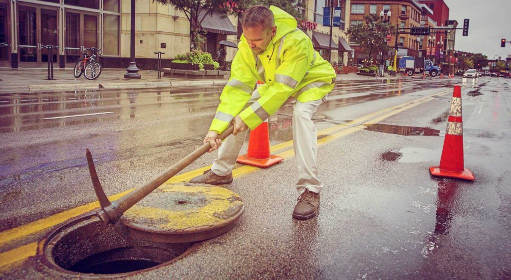New-Grease-Trap-Cleaning-Rules-Ensure-Minnesota-Restaurants-Keep-Grease-Out-Of-Sewers-1024x562